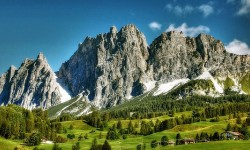 Hospitality: Cortina d'Ampezzo tra le mete più care con 3.500 € a notte