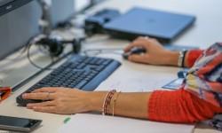 A Milano lo smart working è realtà: nel quartier generale le pareti lasciano il posto alle serre «Raggiungere gli obiettivi vale più della presenza in ufficio»