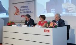 Trasformazione digitale: l'87% degli italiani ottimista sugli effetti della digitalizzazione, l'85% dei lavoratori disposto ad aggiornarsi